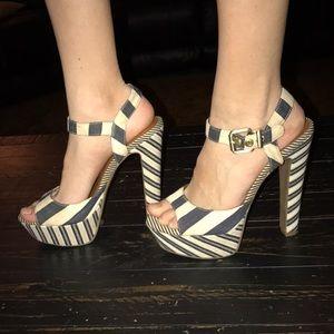EUC Jessica Simpson heels Size 7B/37 super cute